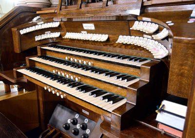 Organy kościelne - Polska Parafia Chrystusa Króla Londyn Balham