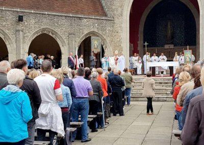 Coroczna Pielgrzymka Polaków do Sanktuarium Matki Bożej Szkaplerznej w Aylesford - zdjęcie 2